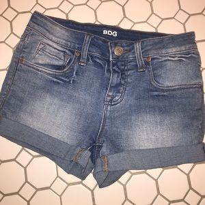 BDG JEAN SHORTS- mid rise shortie